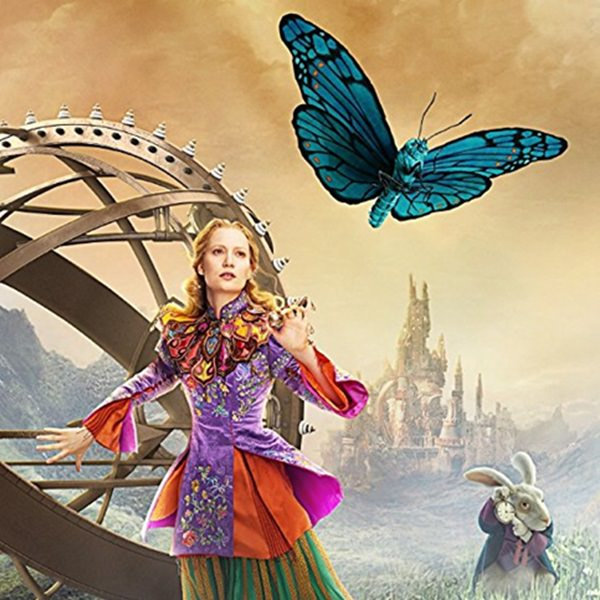 Alice Through the Looking Glass review – a poor blue screened mess